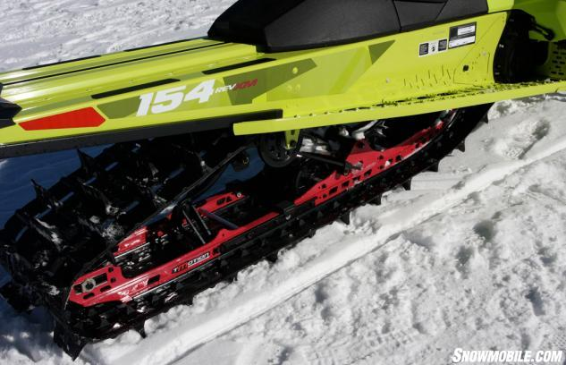 Снегоход Freeride с гусеницей длиной в 154 дюйма – оптимальный выбор для любителей экстрима. Рассмотрите, также, Freeride с гусеницами длиной в 137 и 146 дюймов.